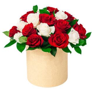 Цветы в коробке «Любовь»