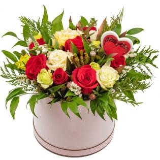 Цветы в коробке «Наслаждение»